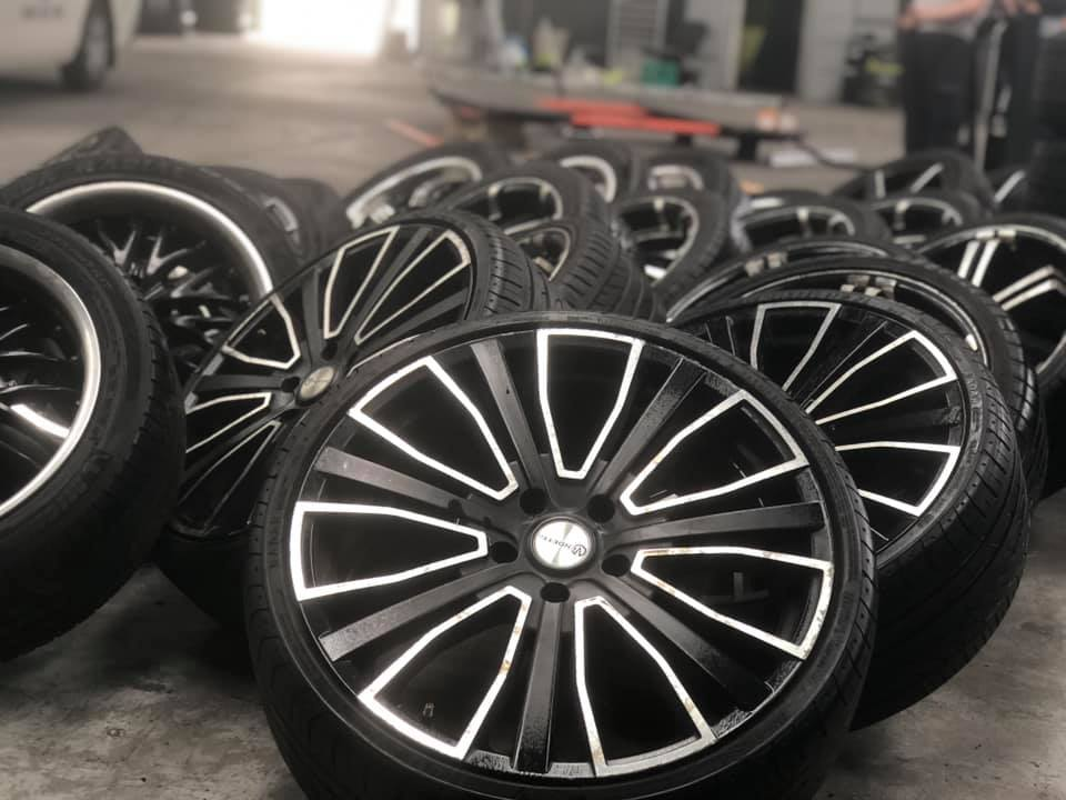 Wheels And Tyres Melbourne - Wheel Fitting and Balancing Melbourne. Professional Wheel Fitting, Wheel Fitting. New & Used Wheels.